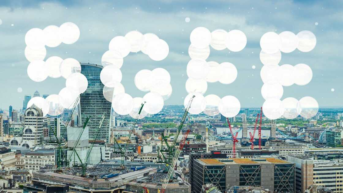 5G logo over London city backdrop