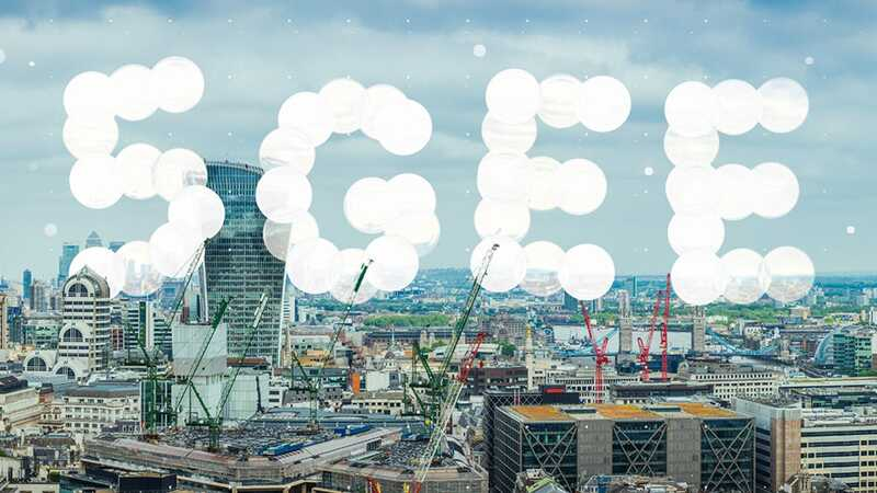 5G speed dial with UK landmarks