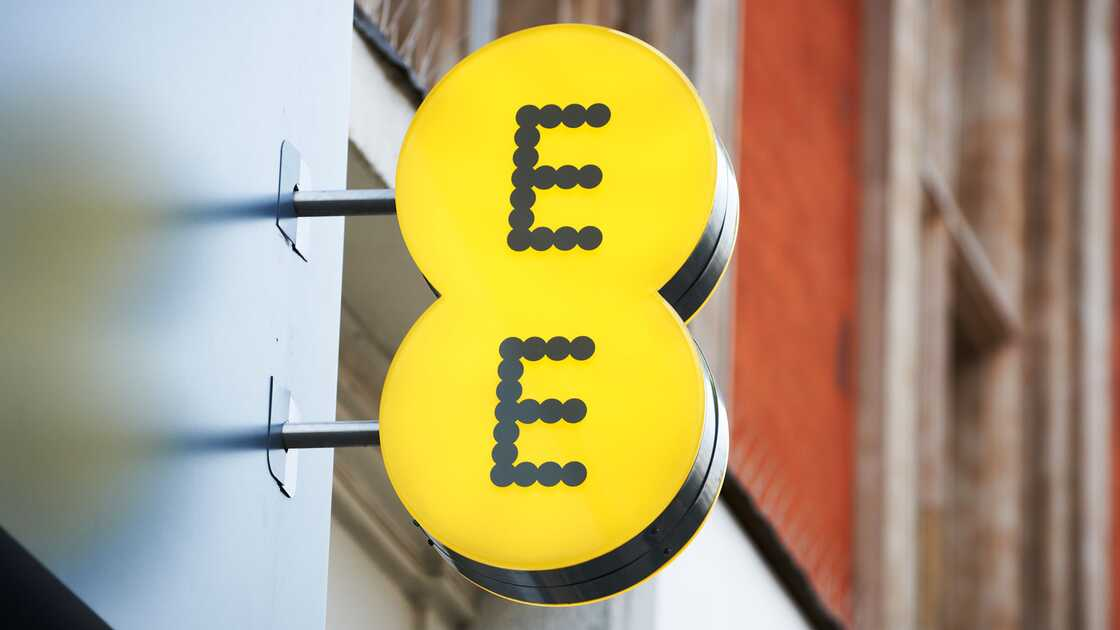 EE logo outside a retail store