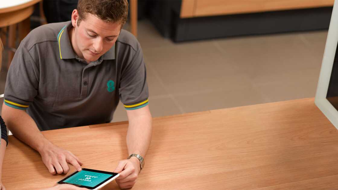 EE Digital Champion demoing an iPad